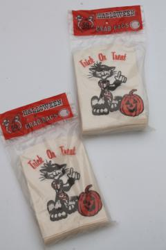 sealed vintage Halloween black cat jack-o-lantern print paper treat bags