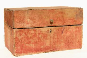shabby antique vintage velvet box or traveling case for bottles or writing instruments