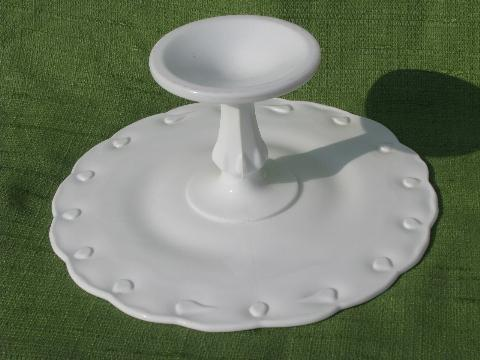 White Teardrop Cake Stand