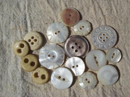 Tin Full Antique And Vintage Buttons White And Ivory Mother Of
