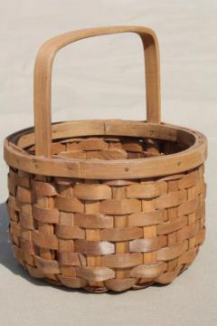 tiny child's size gathering basket, primitive vintage wood splint flower basket