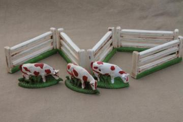 tiny cows & farm fence for putz scene, vintage chalkware figures, miniature dairy herd