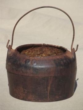 tiny old cast iron cauldron, primitive vintage witches kettle melting pot