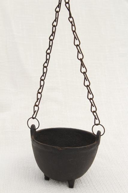 Tiny Witch Cauldron Pot 1970s Vintage Cast Iron Kettle Plant Pot Hanger