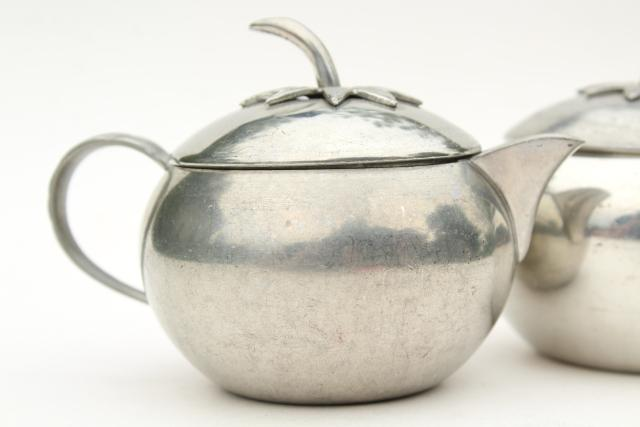 tomato figural pewter cream and sugar set, vintage Queen Art Pewter Brooklyn NY