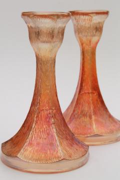 tree bark pattern glass candlesticks, vintage marigold iridescent carnival glass