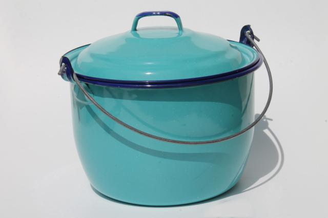 turquoise blue enamelware berry bucket / lunch pail / camp kettle pot w/ lid