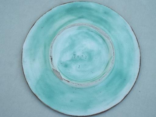 & unmarked antique majolica pottery plate art nouveau arrowroot floral