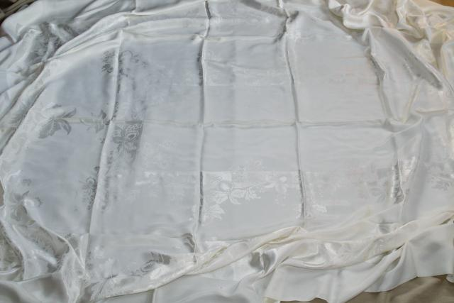 unused vintage damask tablecloth & dinner napkins, silky rayon w/ beautiful sheen