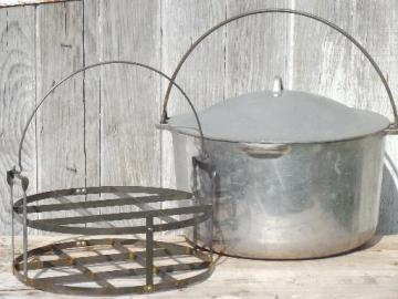vintage 12 qt dutch oven w/ wire bail handle, huge camp kettle cooking pot