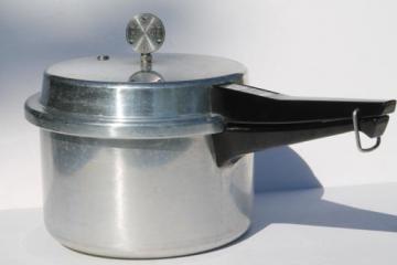 vintage 4 quart Mirro-matic pressure cooker, heavy aluminum jiggle top pressure cooker