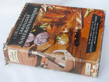 vintage 60s Larousse Gastronomique, 8500 recipes, 1000 illustrations