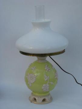 vintage Alacite Aladdin electric lamp w/lighted base
