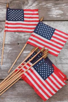 vintage American flag patriotic party holiday small parade flags w/ cotton flag on wood flagpoles