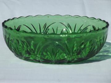 vintage Anchor Hocking pres-cut oatmeal pattern glass bowl, rare green