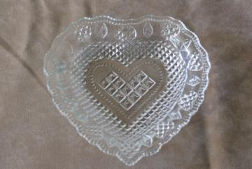 vintage Avon Cape Cod heart dish, tiny plate in crystal clear pressed glas