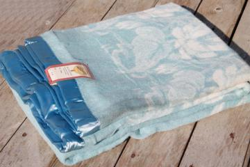 vintage Beacon wool / rayon / cotton bed blanket w/ original paper label