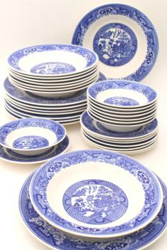 vintage Blue Willow china, estate set dinnerware service for 8, dinner plates & soup bowls