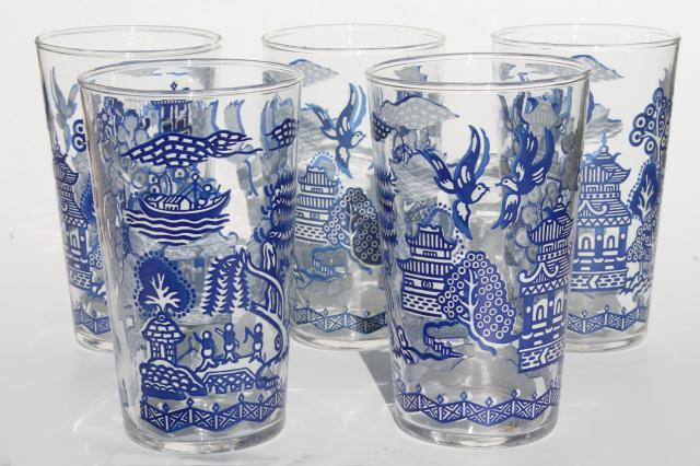 vintage Blue Willow pattern glass drinking glasses go-along tumblers for china dinnerware & vintage Blue Willow pattern glass drinking glasses go-along ...