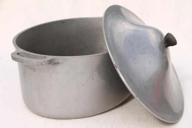 Vintage Cast Rite Aluminum Oval Dutch Oven Roaster