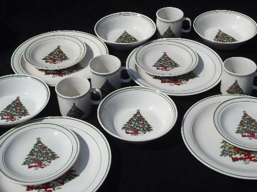 vintage christmas tree holiday dishes mt clemens pottery set for four