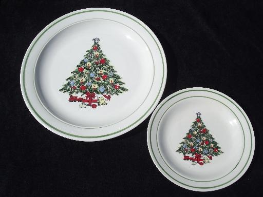 vintage Christmas Tree holiday dishes, Mt. Clemens pottery set for four
