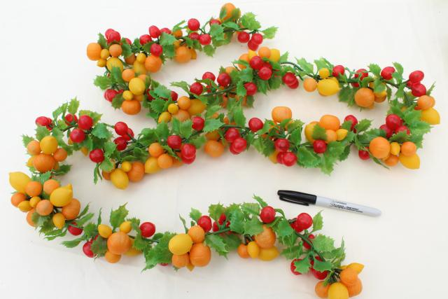 vintage Christmas garland, plastic fruit swag holiday decoration, 60s 70s retro!