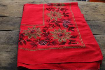 vintage Christmas print cotton tablecloth, red w/ poinsettias in metallic gold