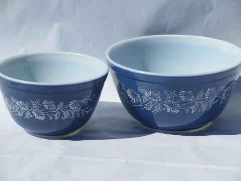 vintage Colonial mist blue & white flower print Pyrex glass nesting ...