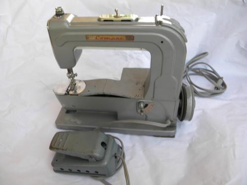 vintage Compac sewing machine for restoration or parts