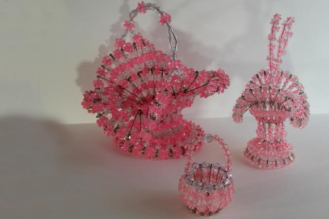 Pink and White Beaded Kitschy Safety Pin Basket Christmas Grandma/'s House Pink Easter Basket #N208 Kitschy Basket Retro SAFETY PIN Basket