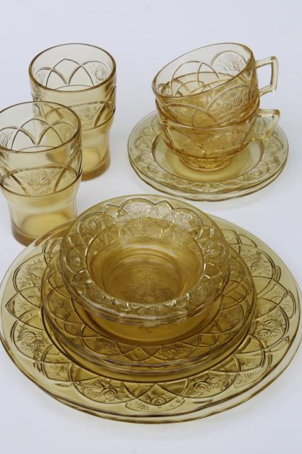 vintage Federal Dutch Rose / Rosemary amber yellow depression glass dishes set for two