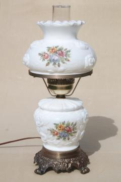 vintage Fenton milk glass lamp, puffy rose w/ roses lampshade & lighted base