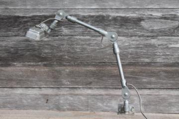 vintage Fostoria adjustable work light, industrial vintage task lighting