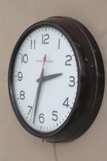 vintage GE electric wall clock, big brown bakelite school clock or