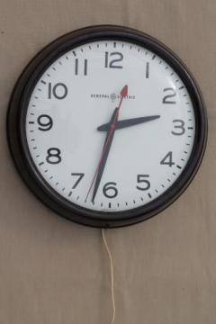 vintage GE electric wall clock, big brown bakelite school clock or industrial office clock