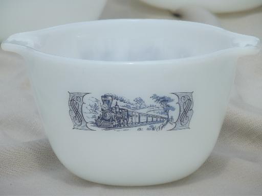 Vintage Glasbake Kitchen Glass Nest Of Mixing Bowls