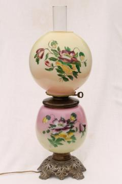 vintage Gone With The Wind lamp w/ chimney shade & pansies hand painted glass globe
