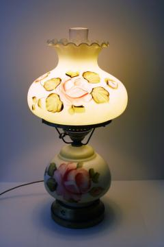 vintage Gone With The Wind lamp, hand-painted roses glass base & shade, hurricane chimney