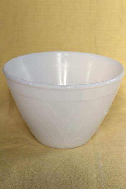 Vintage Hazel Atlas Milk Glass Mixing Bowl Cat Tail