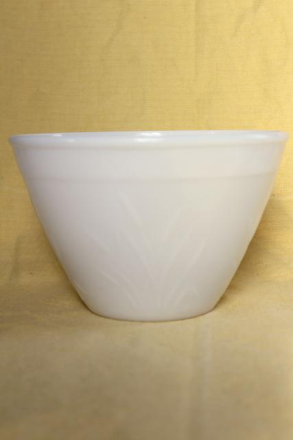 Vintage Hazel Atlas Milk Glass Mixing Bowl Cat Tail