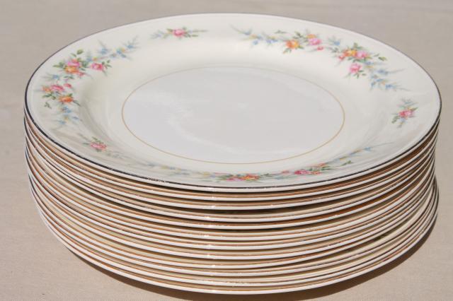 vintage Homer Laughlin eggshell Nautilus china dinner plates Cashmere pattern floral & vintage Homer Laughlin eggshell Nautilus china dinner plates ...