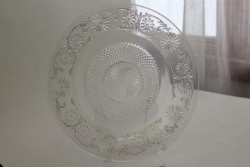 vintage Indiana daisy pattern cake plate, crystal clear depression glass