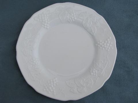 vintage Indiana harvest grapes pattern milk glass cake / salad plates, set of 6