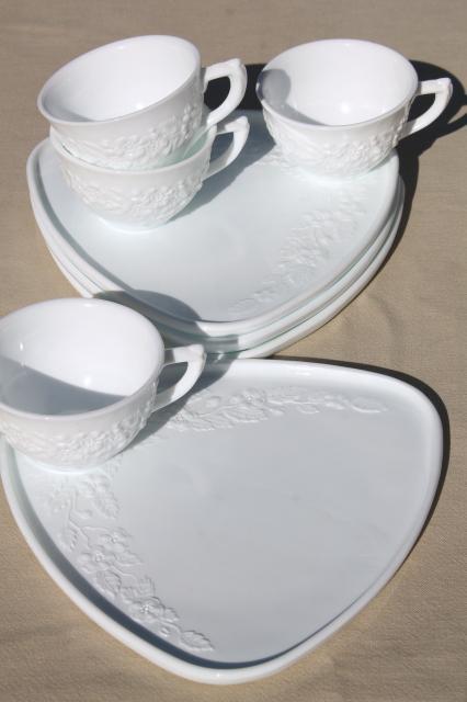 vintage Indiana milk glass snack sets, triangular tray plates & tea ...