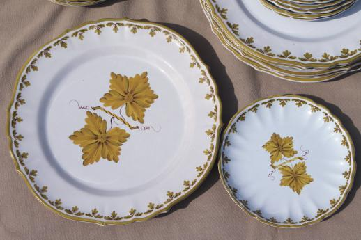 vintage Italian pottery dishes hand-painted green grape leaves dinnerware set Made in Italy & vintage Italian pottery dishes hand-painted green grape leaves ...
