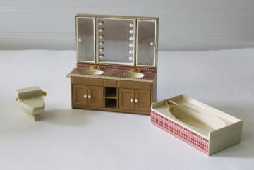 vintage Japan Tomy smaller homes dollhouse miniatures bathroom set plastic furniture