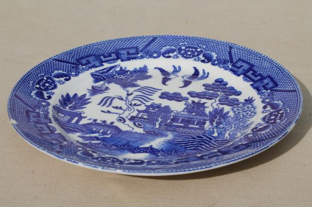 vintage Japan blue willow china set of 8 dinner plates Japanese willow ware & vintage Japan blue willow china set of 8 dinner plates Japanese ...