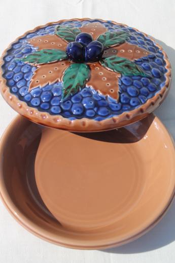 Vintage Japan Ceramic Blue Berry Pie Keeper Pie Pan Dish