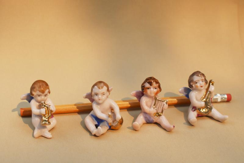 vintage Japan cherub angels miniature china figurines, baby angel band w/ musical instruments